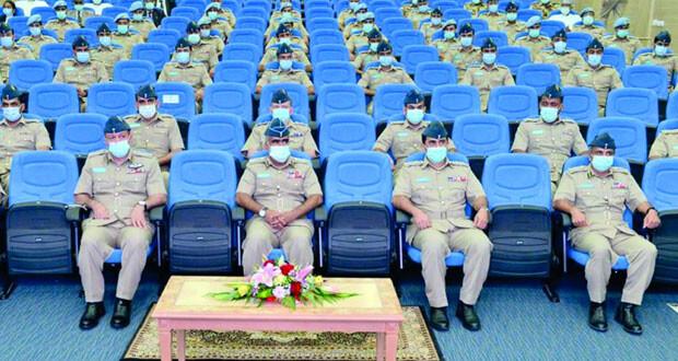 تخريج دفعة جديدة من طلبة الكلية الفنية الجوية بسلاح الجو السلطاني العماني