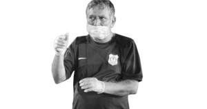 الموت يغيب عماد مجاهد (أبو بلال) إخصائي العلاج الطبيعي بنادي النصر بعد ٣١ عاما في خدمة الكرة العمانية