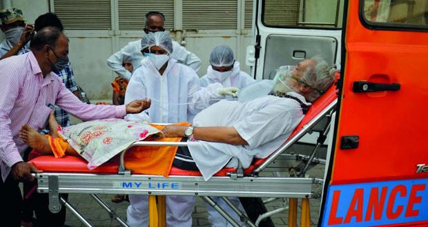 تراجع طفيف بالاصابات اليومية بالهند